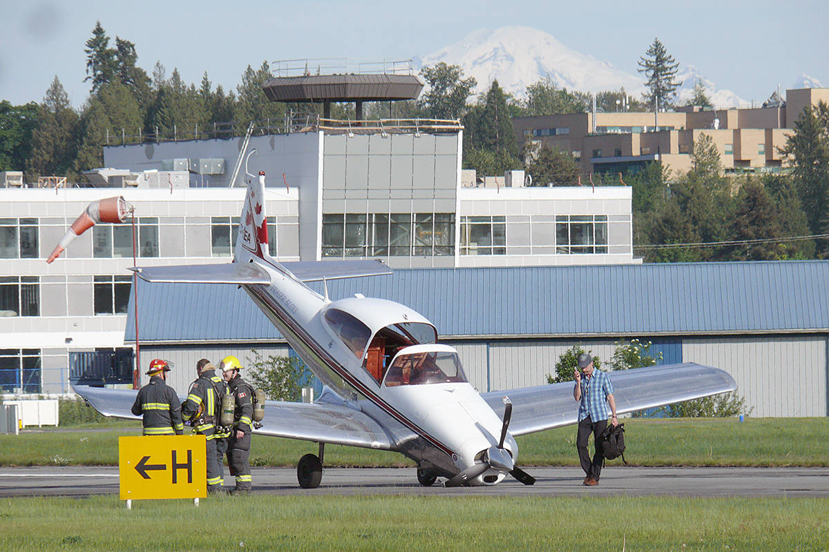 VIDEO: Small plane crashes at Langley airport – Aldergrove Star