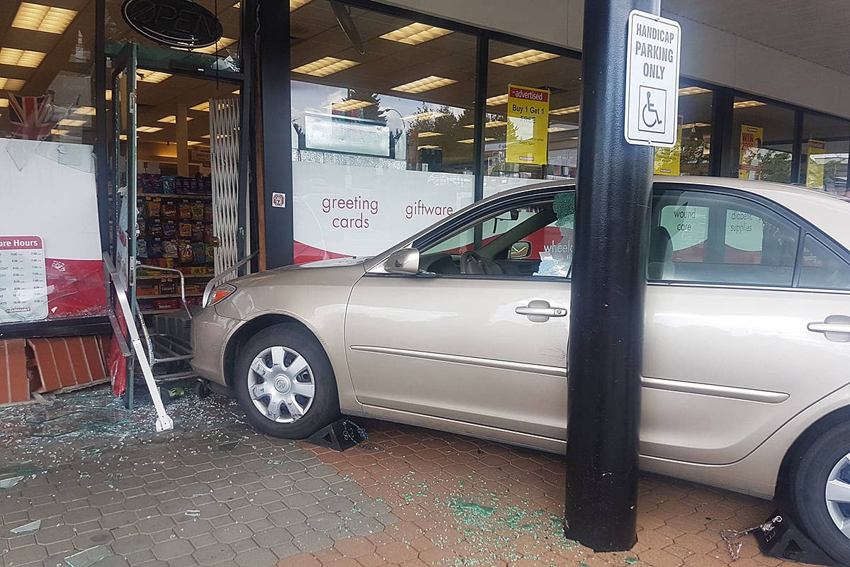 UPDATED: Car crashes into Pharmasave in Langley's Walnut Grove