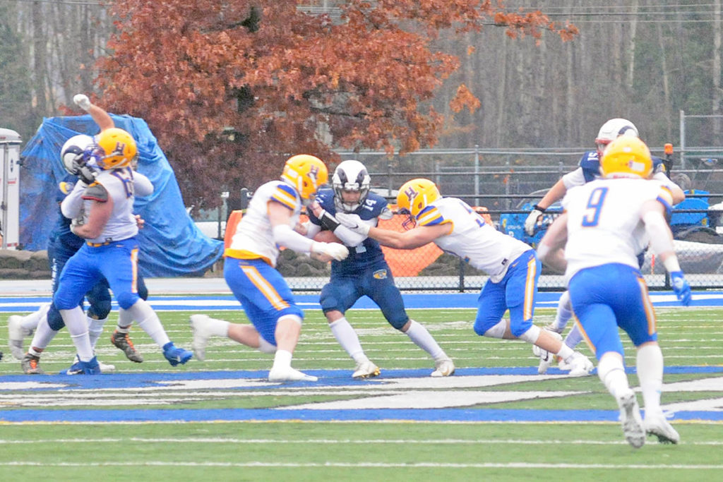 VIDEO: A narrow defeat for Langley Rams at Canadian Bowl - Aldergrove Star