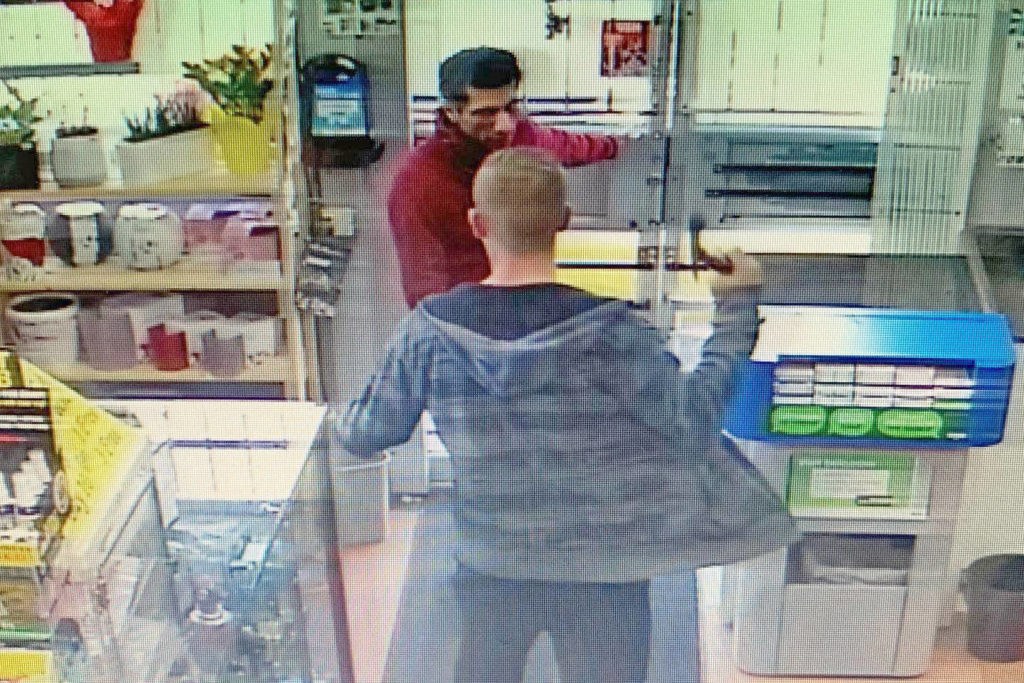 Security camera records hatchet attack on Langley store owner - Aldergrove Star